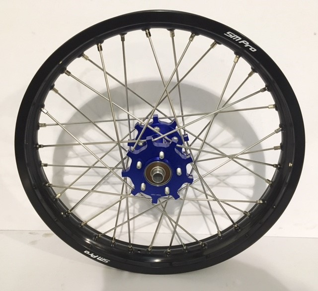 smpro-rear-wheel-blue-hub-black-rim